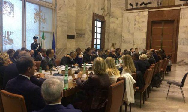 IL GOVERNO PROMETTE IL PROPRIO SOSTEGNO ALL'INDUSTRIA DELLA MODA