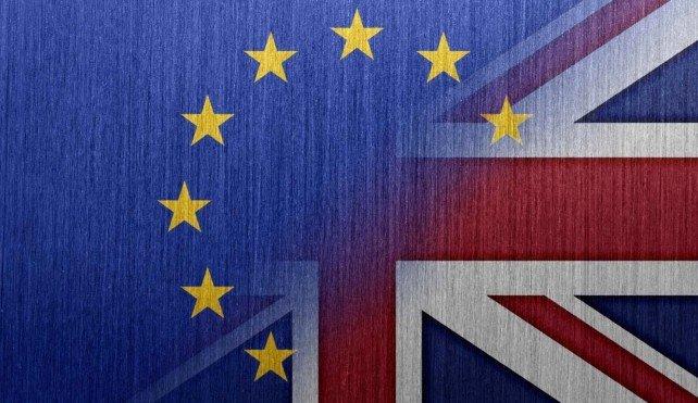 BREXIT: L'UE PORTA IL GOVERNO INGLESE IN TRIBUNALE