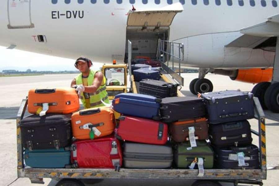 CON LE ETICHETTE RFID NON PERDEREMO PIÙ I BAGAGLI IN AEROPORTO