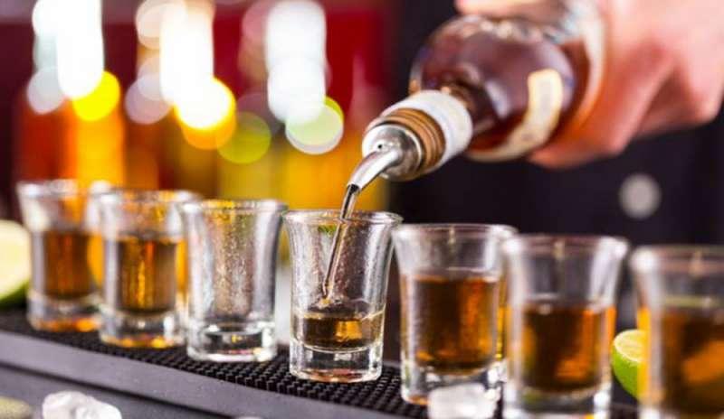 ANCHE LE BEVANDE ALCOLICHE SCELGONO LA STRADA SALUTISTICA IN ETICHETTA