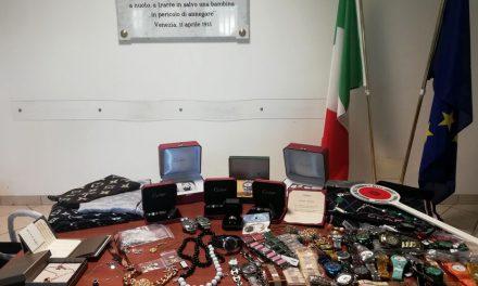 CHIUSA L'AZIENDA CONTINUAVANO A LAVORARE IN GARAGE